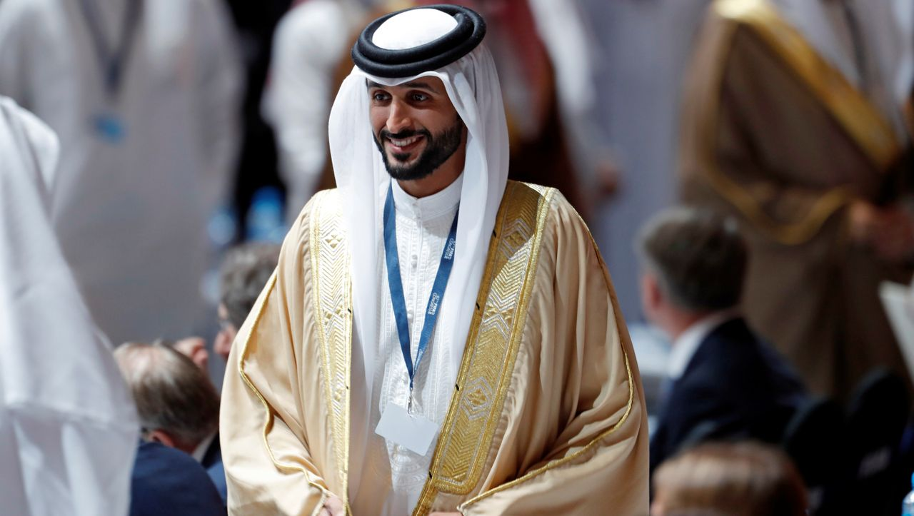 Nach Corona-Sperrung: Prinz aus Bahrain darf als Erster auf Himalaja-Berge