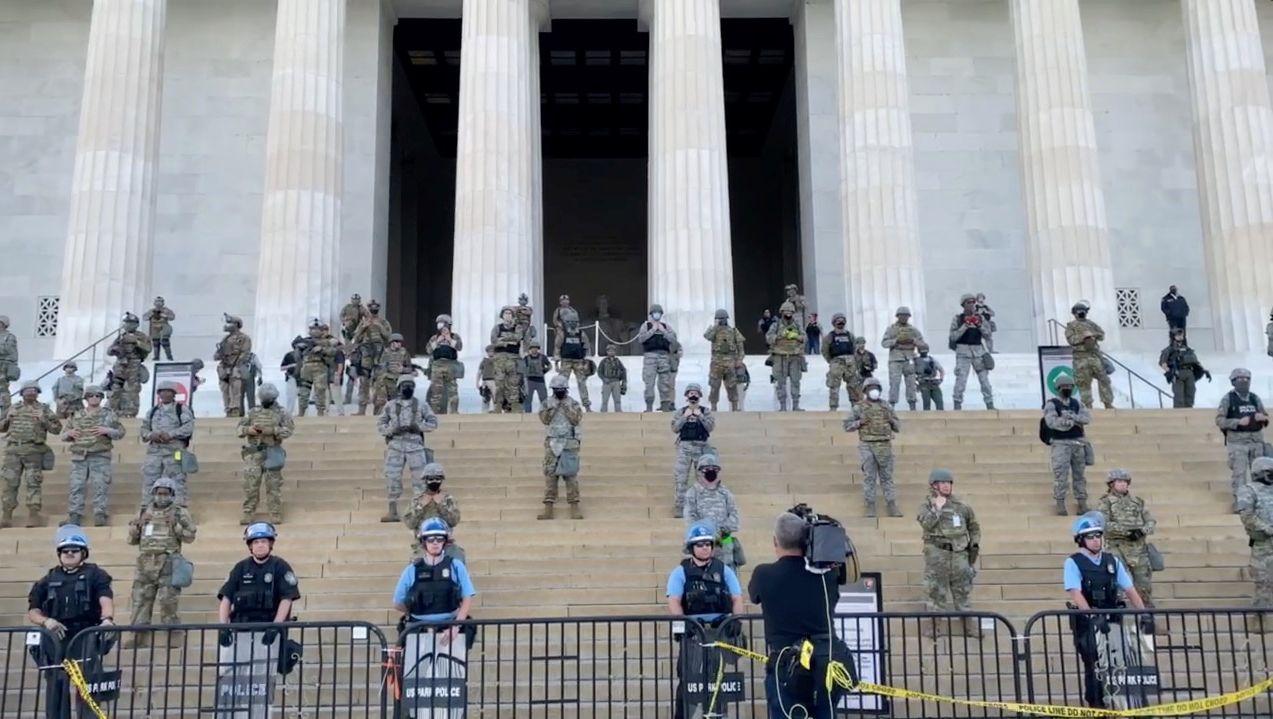 Nach Trumps Drohungen: US-Armee zieht Soldaten rund um Washington zusammen