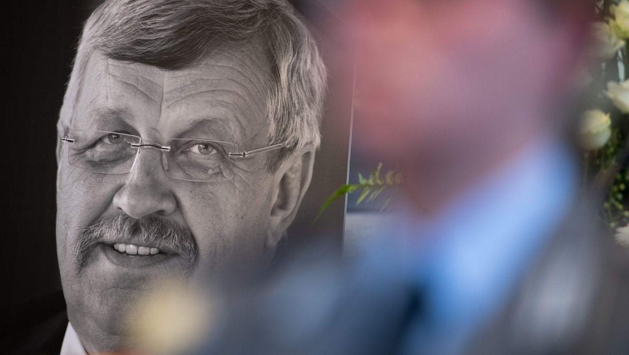 Dutzende Beschuldigte: Hetze gegen Walter Lübcke - Durchsuchungen in zwölf Bundesländern