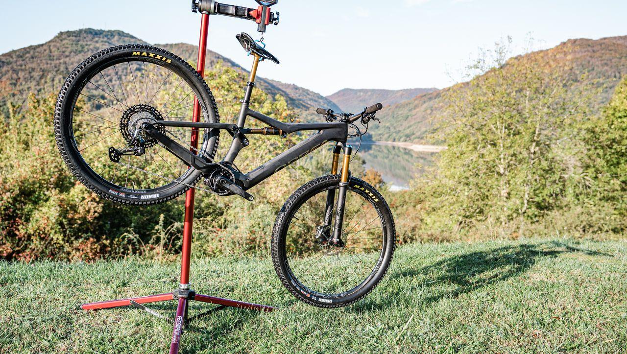 Abgespeckte E-Mountainbikes: Leicht und cross