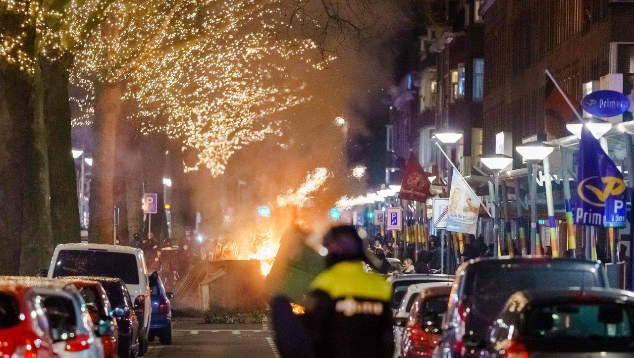 Trotz Corona-Ausgangssperre: Erneute Ausschreitungen in den Niederlanden