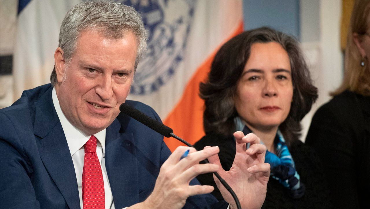+++ News-Update +++: New Yorks Gesundheitskommissarin tritt aus Protest zurück