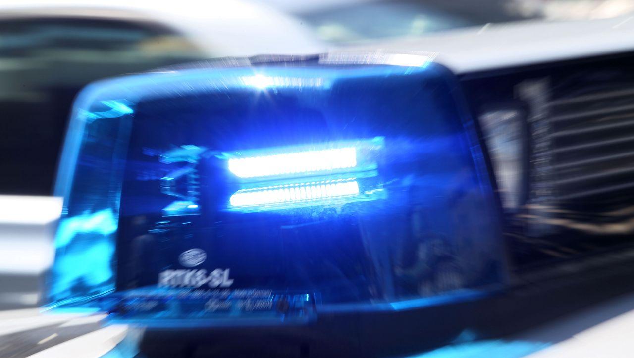 Doppeltes Bußgeld für Feiernde: Polizei beendet illegale Party – und muss noch mal anrücken