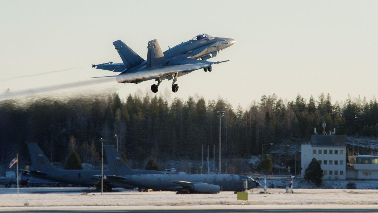 Nach rund 100 Jahren: Finnische Luftwaffe entfernt Hakenkreuze von Uniformen und Flugzeugen