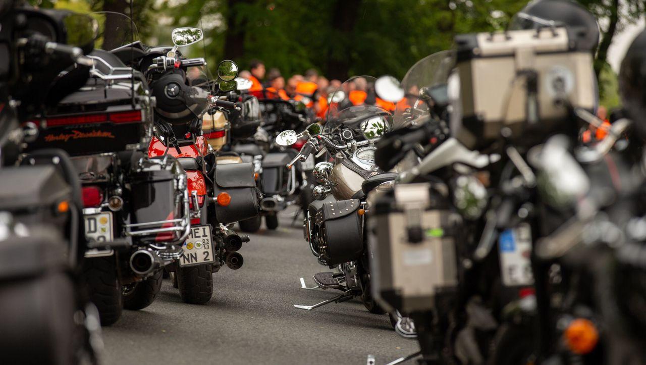 Umsetzung von sechs Maßnahmen: Grüne bieten Kompromiss im Streit um Motorradlärm an