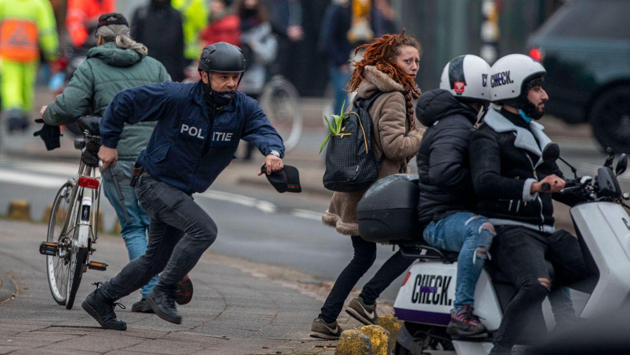 London, Amsterdam, Bukarest: Tausende Menschen demonstrieren in Europa gegen Corona-Maßnahmen