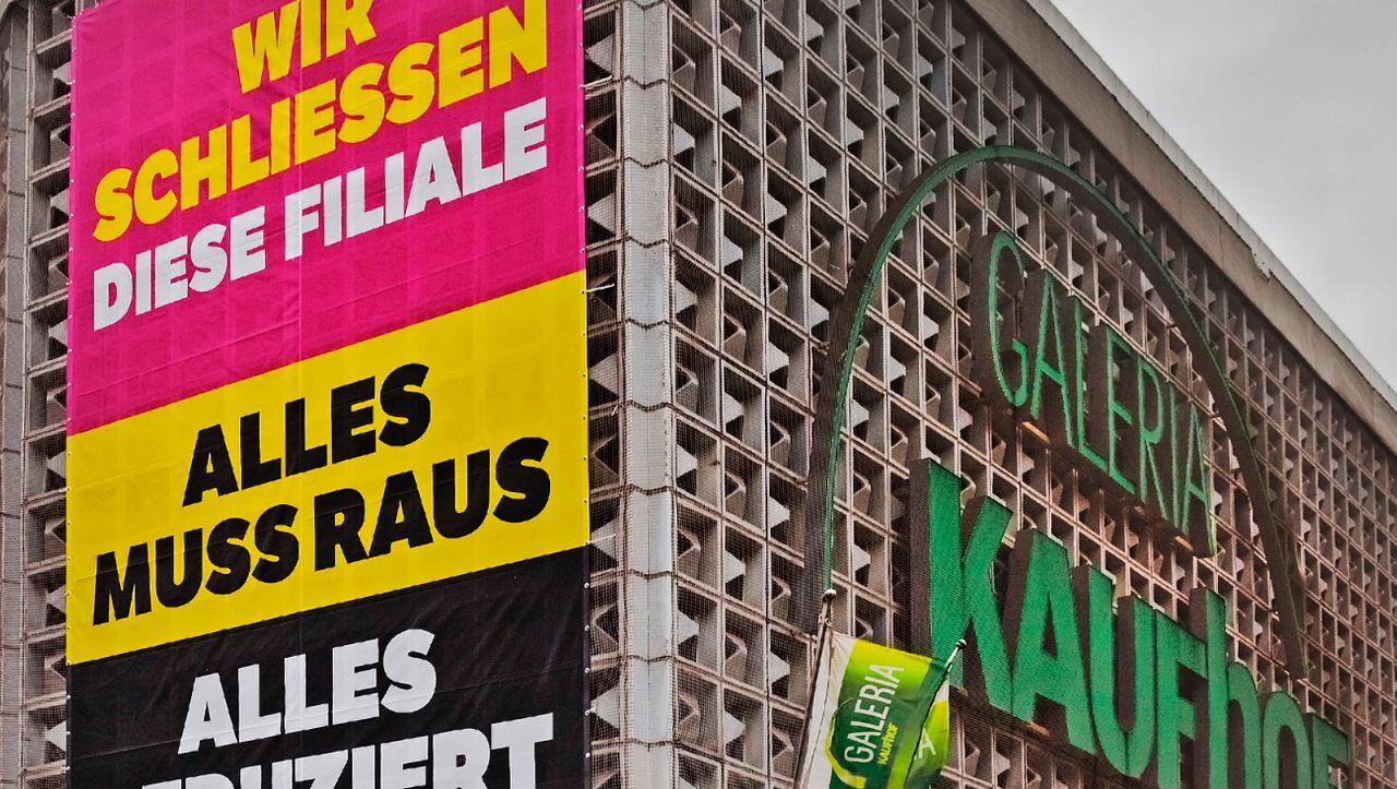 Verhandlungen mit der Bundesregierung: Karstadt Kaufhof soll Staatskredit bekommen