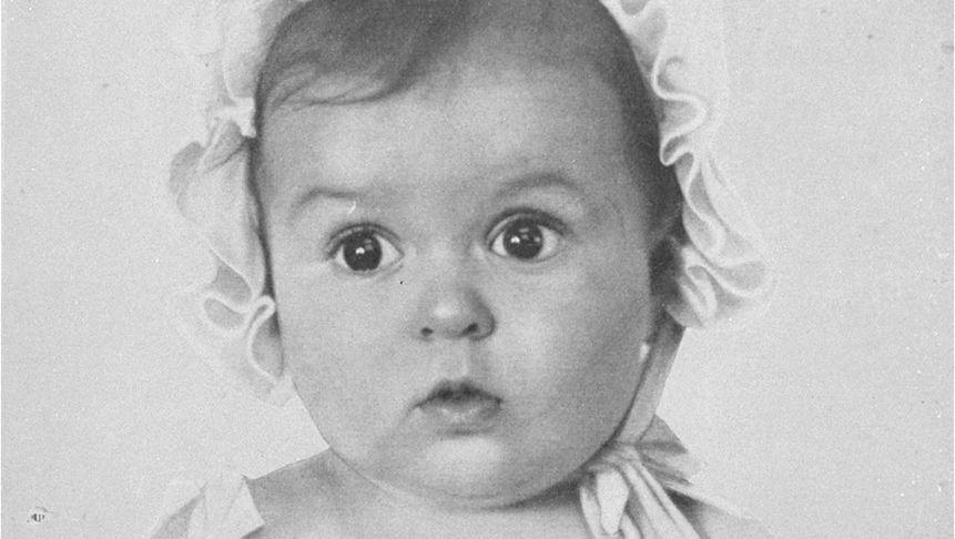 Ein Bild und seine Geschichte: Wie die Nazis eine kleine Jüdin als arisches Vorzeigebaby präsentierten