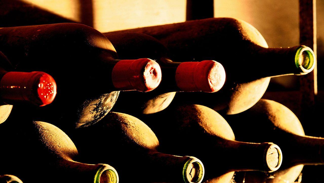 Bieten Sie mit!: Blickfang für den Weinkeller
