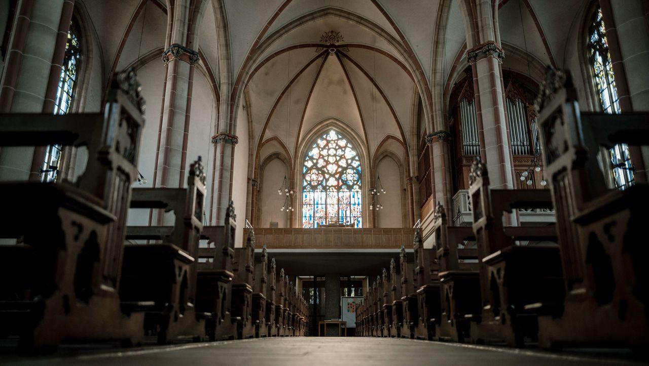 Glaube in Zeiten von Corona: Wie Christen, Muslime und Juden auf das Gottesdienstverbot reagieren