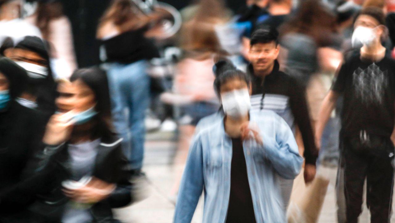 Neue Corona-Übersichtsstudie: So wirken Mindestabstand, Masken und Augenschutz