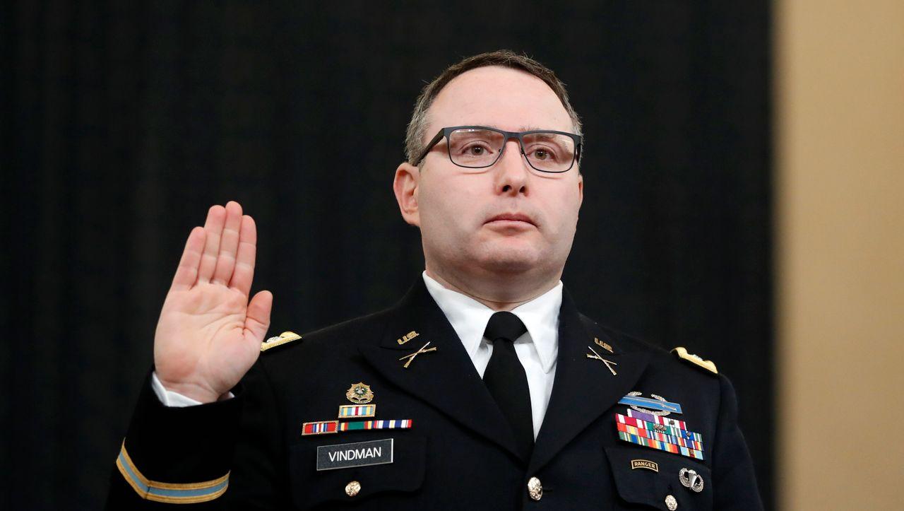 Belastende Aussagen über Trump: Impeachment-Zeuge Vindman verlässt das US-Militär