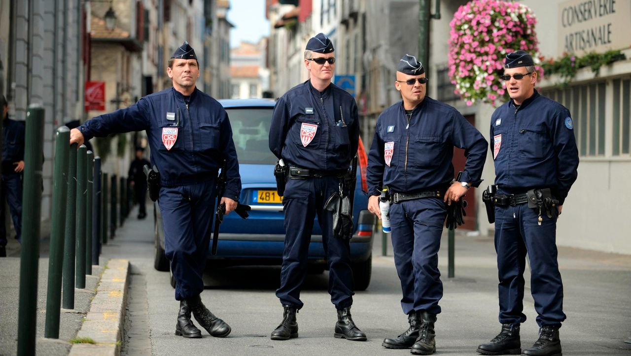 Opfer offenbar hirntot: Brutaler Angriff auf Busfahrer schockiert Frankreich
