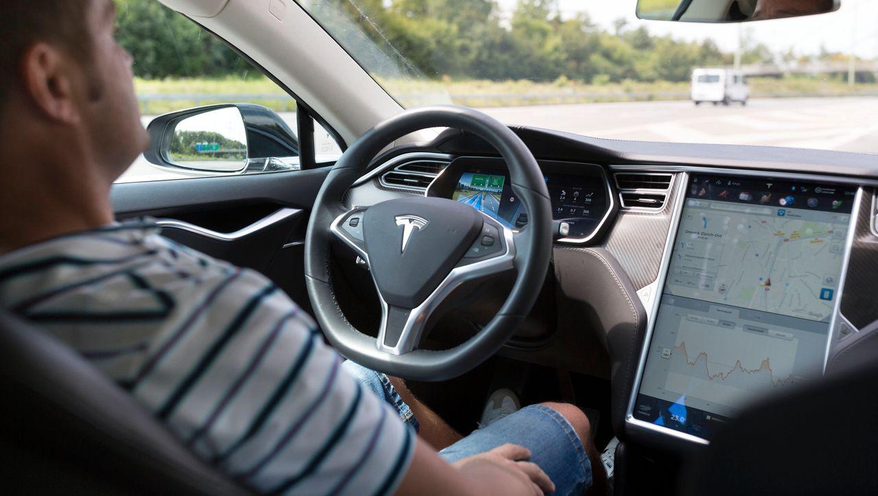 Fahrassistenzsysteme: Teslas Autopilot verliert in wichtigem Vergleichstest gegen Konkurrenten
