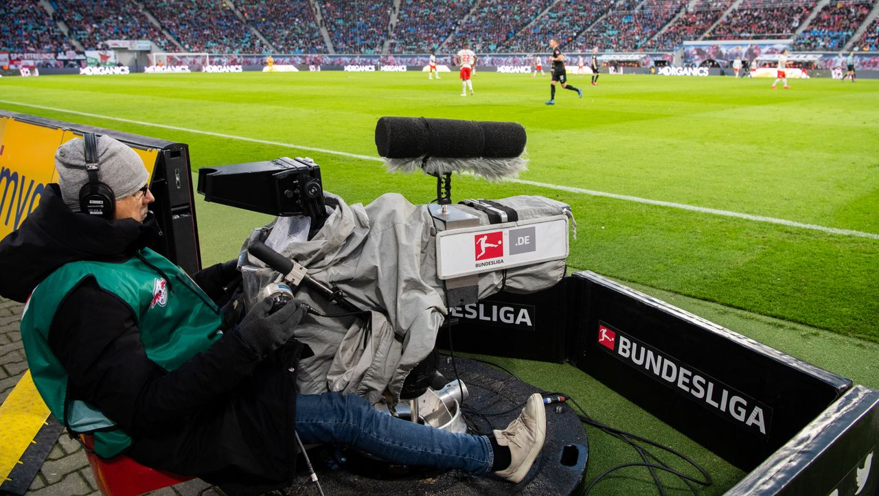 Fußball-Bundesliga: TV-Rechte gehen offenbar erneut an Sky und DAZN