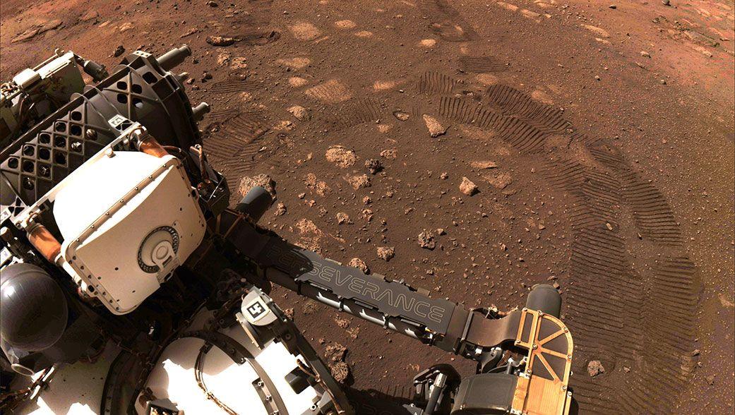 6,5 Meter in 33 Minuten: Mars-Rover »Perseverance« schleicht erstmals über den Roten Planeten