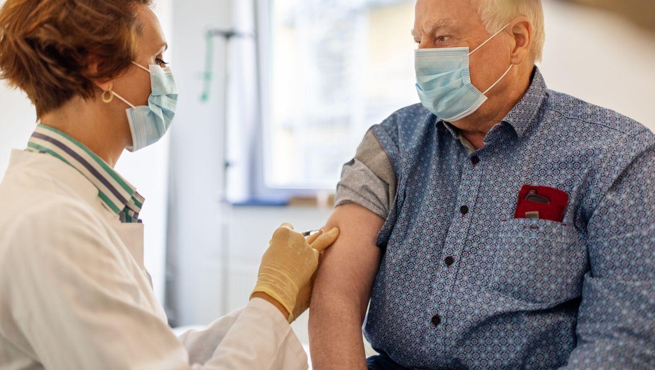 Langzeituntersuchungen des Corona-Impfstoffs: Das Risiko der schnellen Zulassung