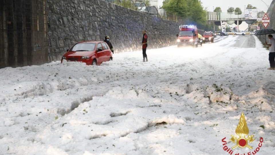 Unwetter in Norditalien: Heftiger Hagel löst Feuerwehreinsätze aus
