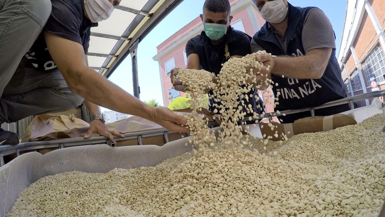Weltgrößter Drogenfund in Italien: Echte Drogen, falsche Dschihadisten